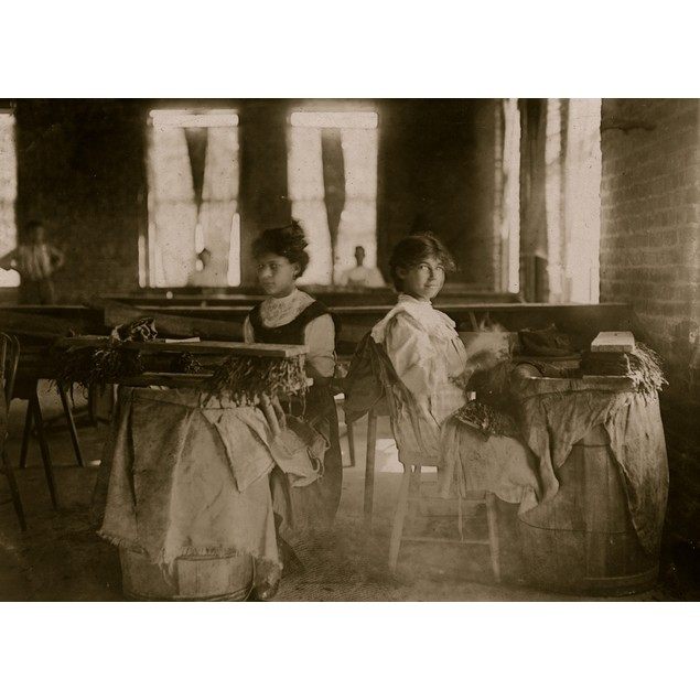 A Rarniriz Cigar Co., Tampa, Fla. Tampa, FL; Twp girls roll cigars Poster