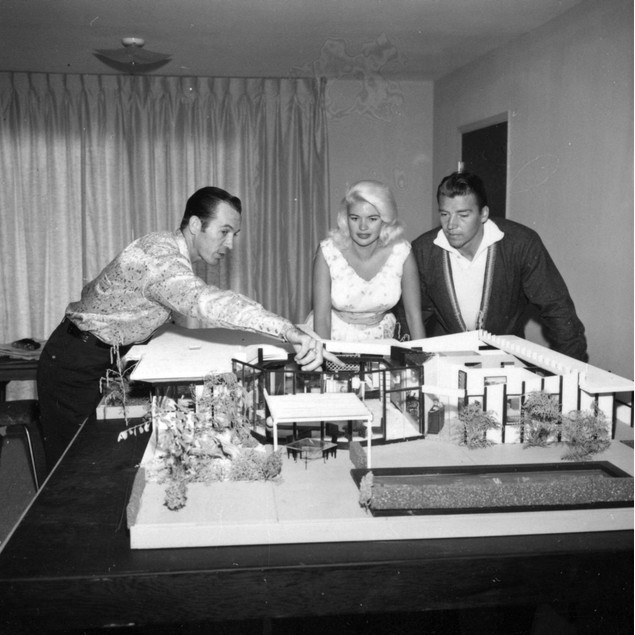 Jayne Mansfield and Mickey Hargitay with an architect Poster