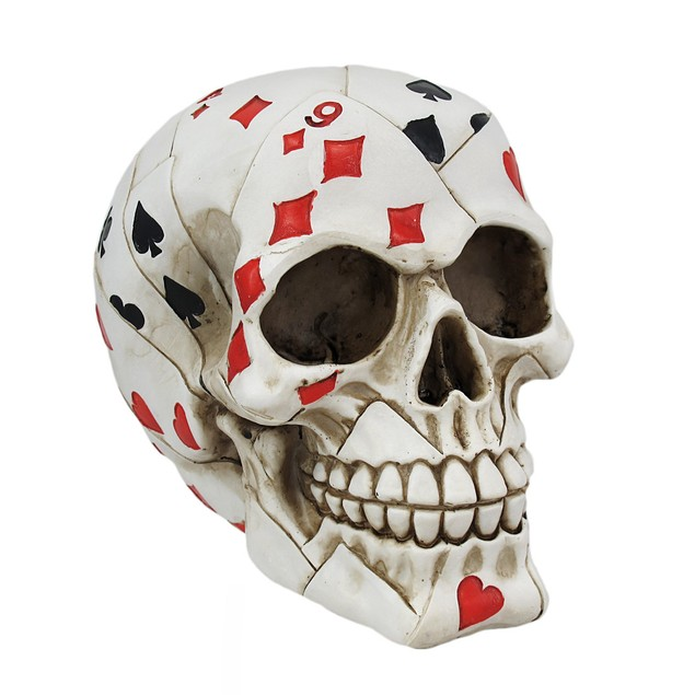 Playing Card Poker Skull Figure Head Sculptures