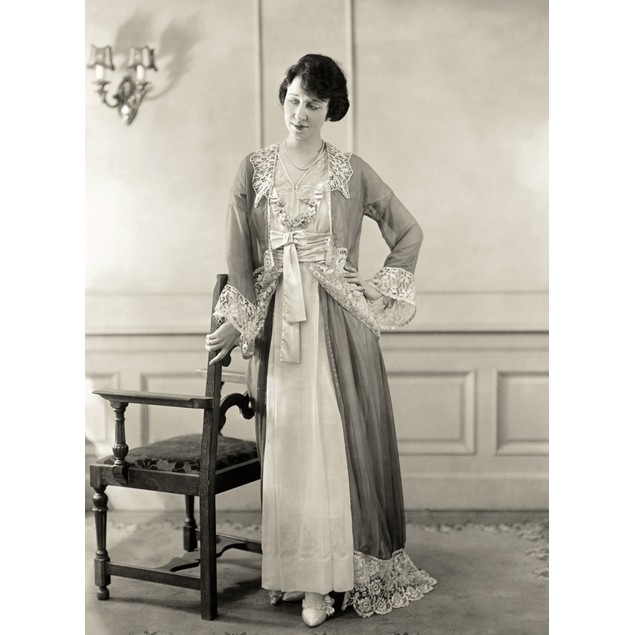 Women'S Fashion, C1910. /Na New York Actress Photographed In A Neglig_E, A