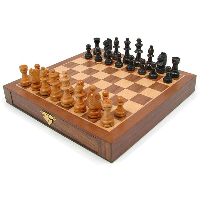 Inlaid Walnut style Magnetized Wood with Staunton Wood Chessmen