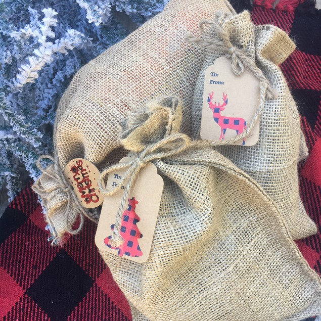 10-pack Burlap Christmas Bags and Tags Set