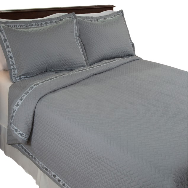 Lavish Home Valencia Embroidered 3 Piece Quilt Set - Full/Queen