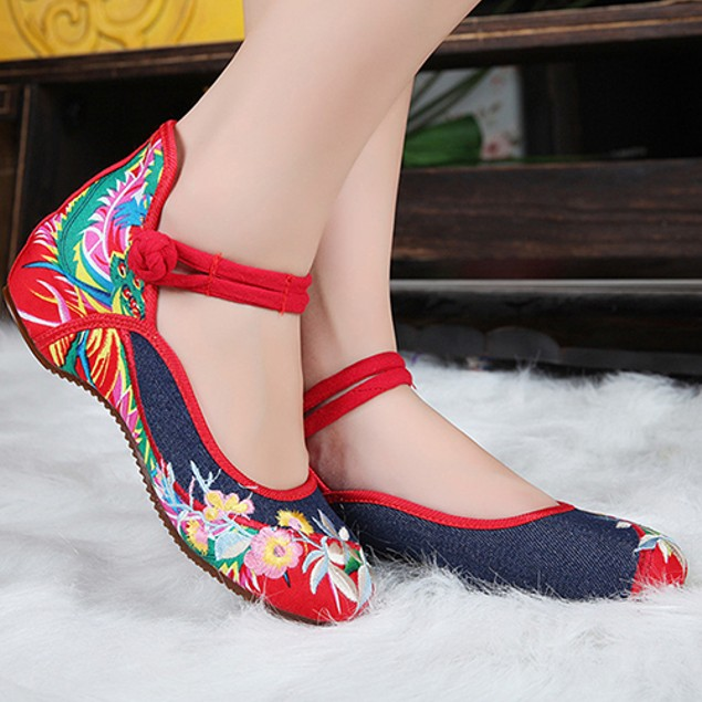 Elegant Art Party Casual Flat Chinese Style Flower Embroidered Cloth Shoes