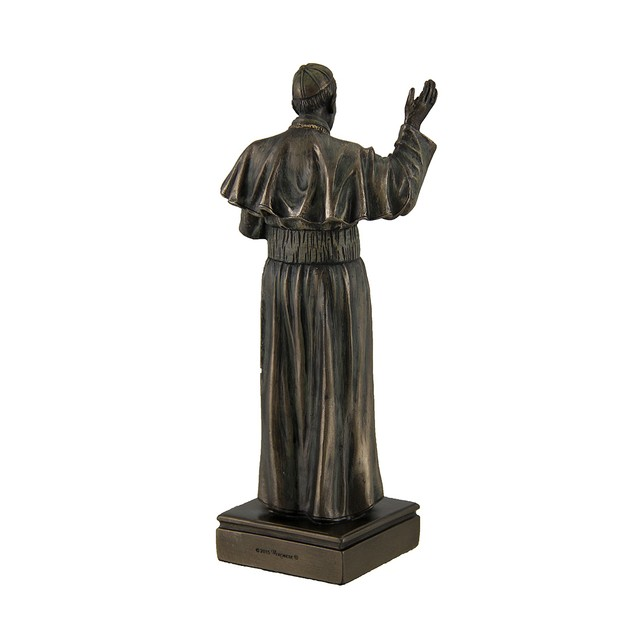 Pope Francis Bishop Of Rome Decorative Bronzed Statues