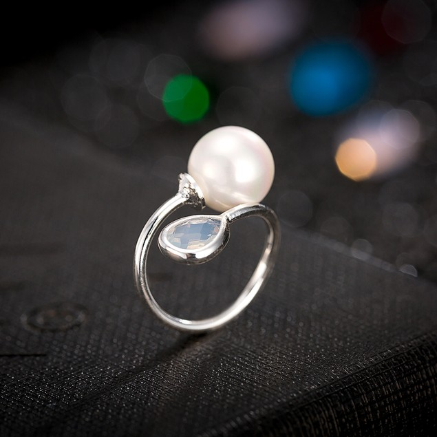 White Gold Plated Petite Ivory & Pearl Ring