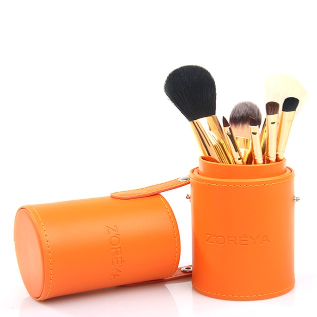 7-Piece Makeup Brush Set in Four Colors