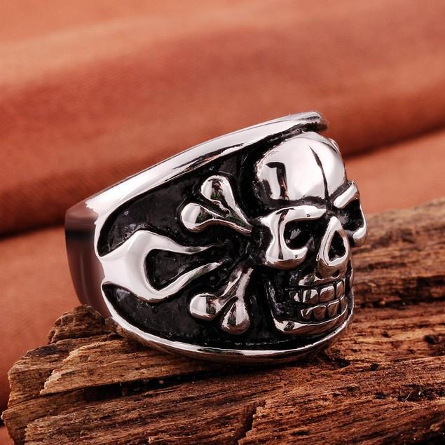 Skull Ingrained Stainless Steel Ring