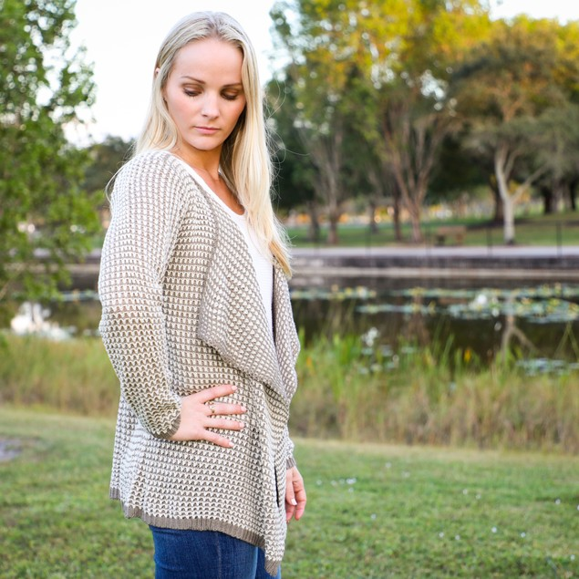 Loose Fitting Hounds Tooth Cardigan