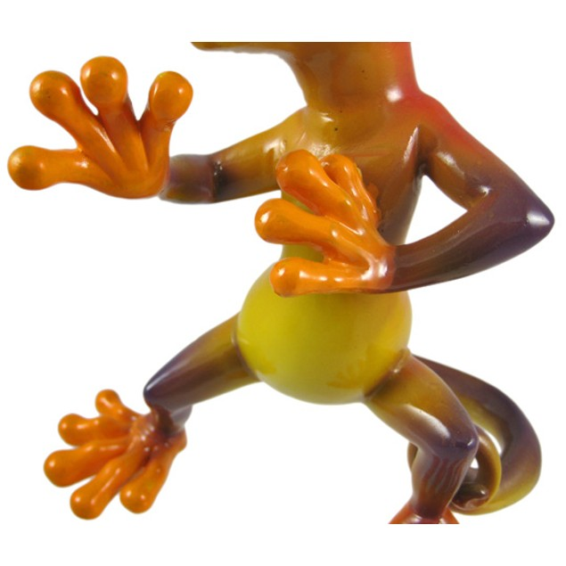 `Kung-Fu Lizzie` Martial Arts Gecko Figurine Statues
