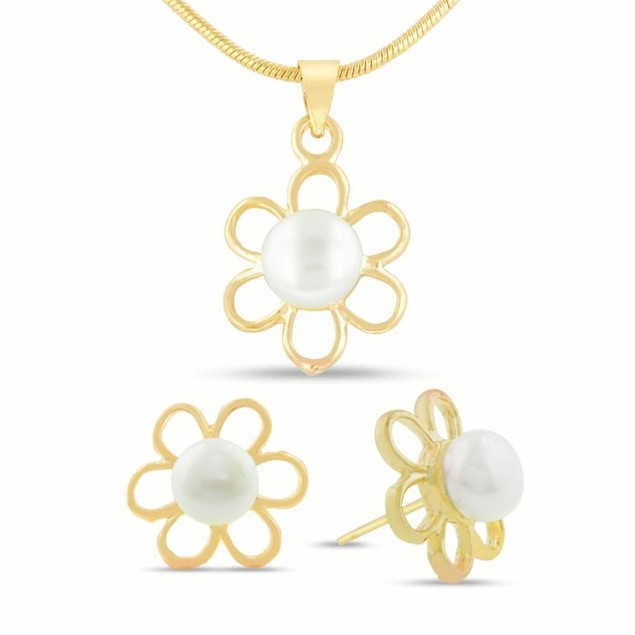 18 Karat Yellow Gold Overlay Blooming Freshwater Cultured Pearl Necklace and Earring Set