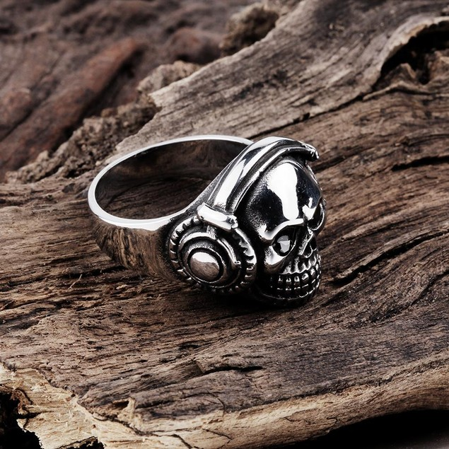 Thick Stainless Steel Skull Ring