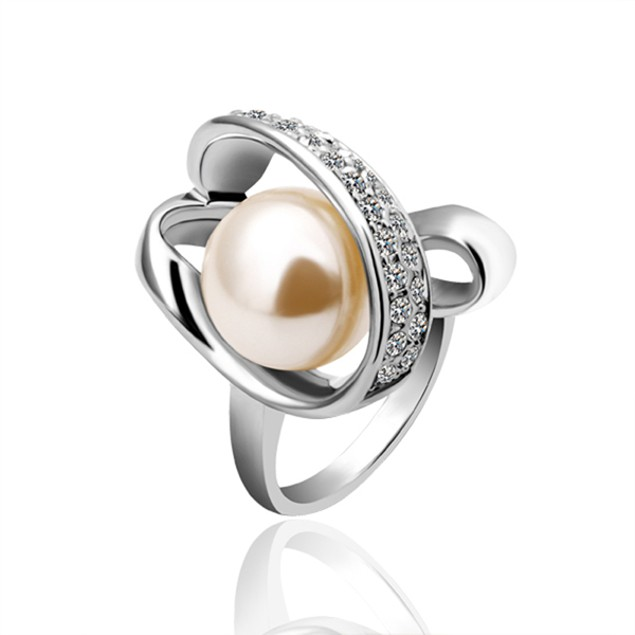Golden Imitation Pearl Ring with Austrian Crystal