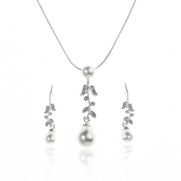 Austrian Crystals Pearl Leaves Necklace Set