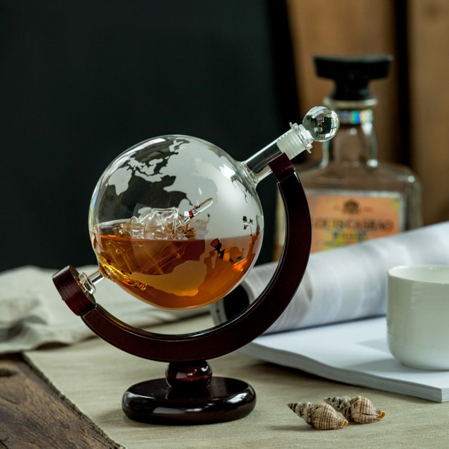 Eravino World Globe Decanter